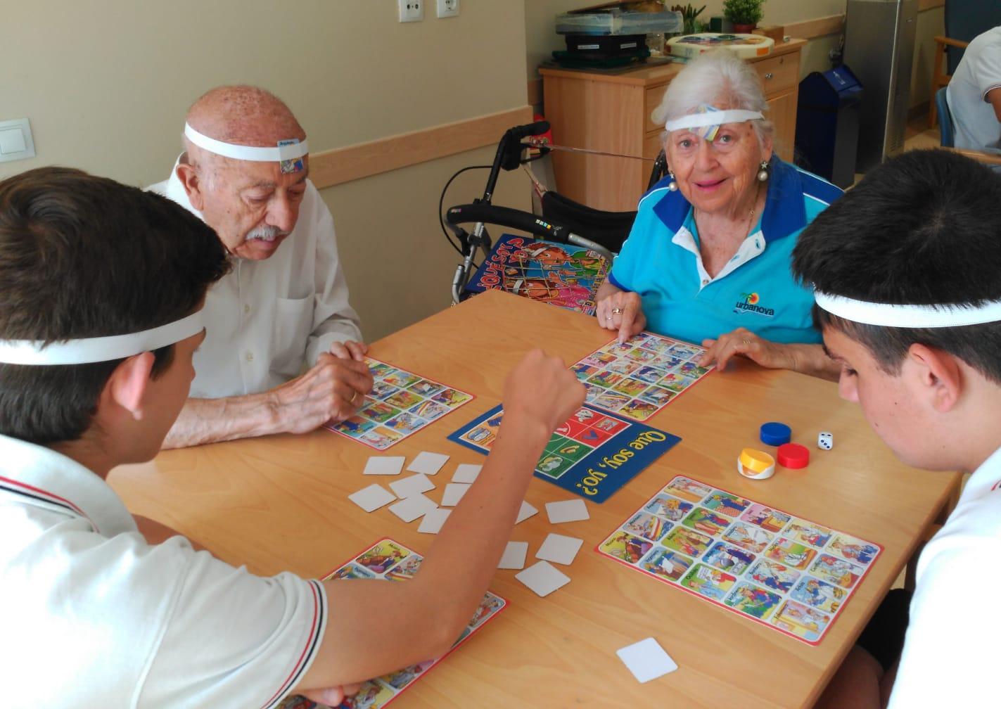 Actividad Intergeneracional DomusVi Babel (4)