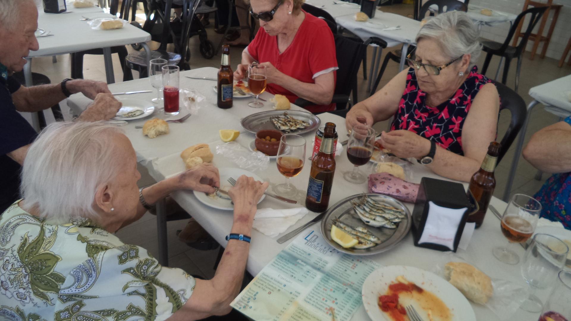 Comida mediterranea y los mayores de DomusVi Fuentesol