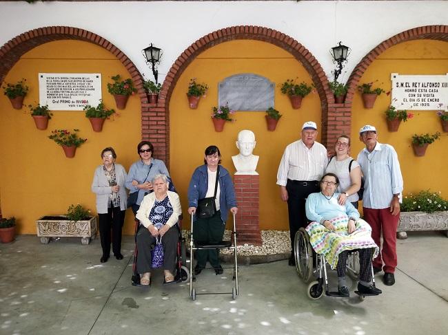 Visita patios de Residencia DomusVi Remedios