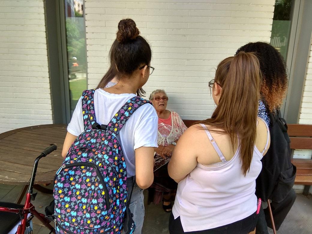 Rosa con alumnos