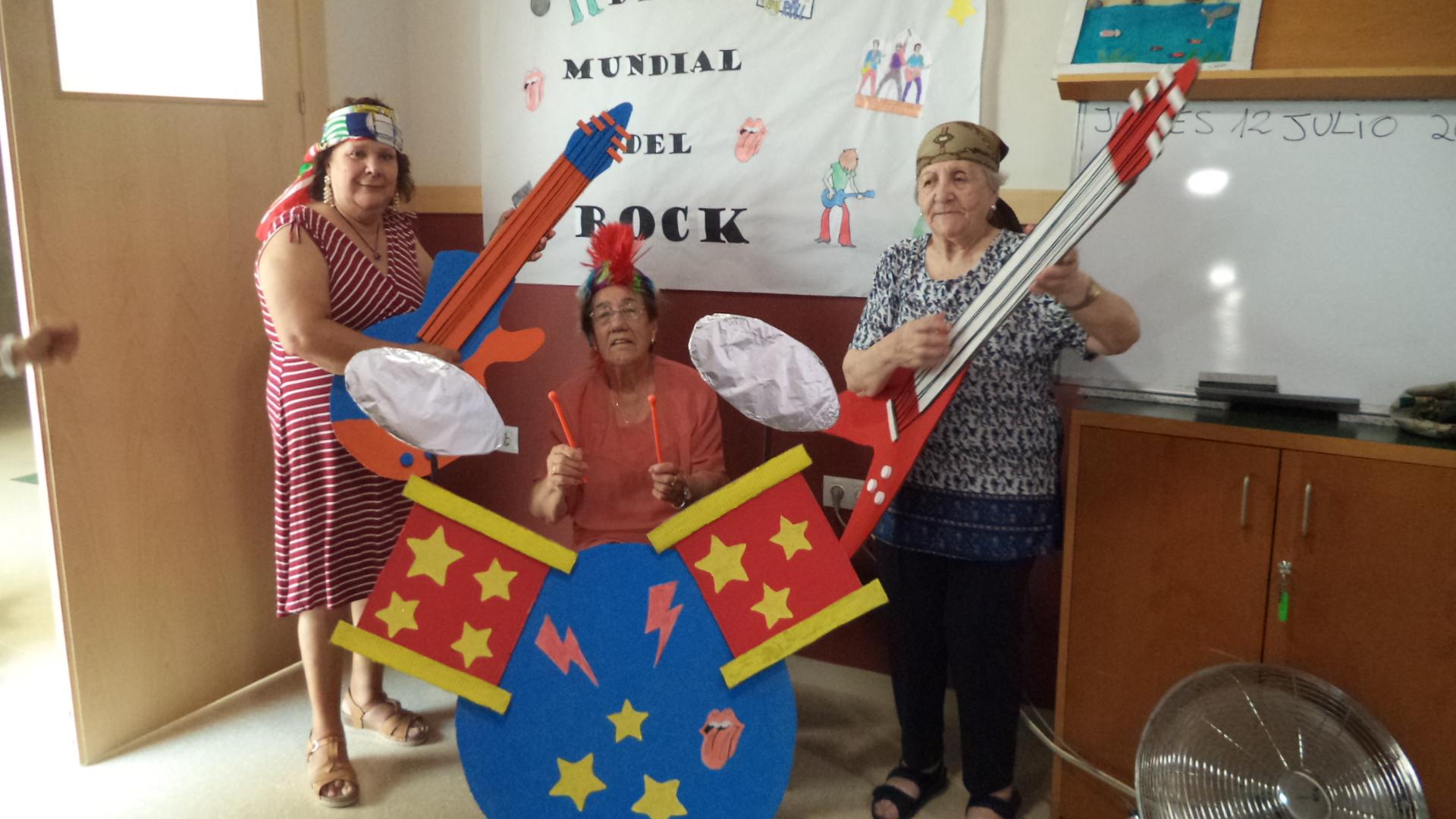tributo a Live Aid en la residencia de mayores DomusVi Fuentesol