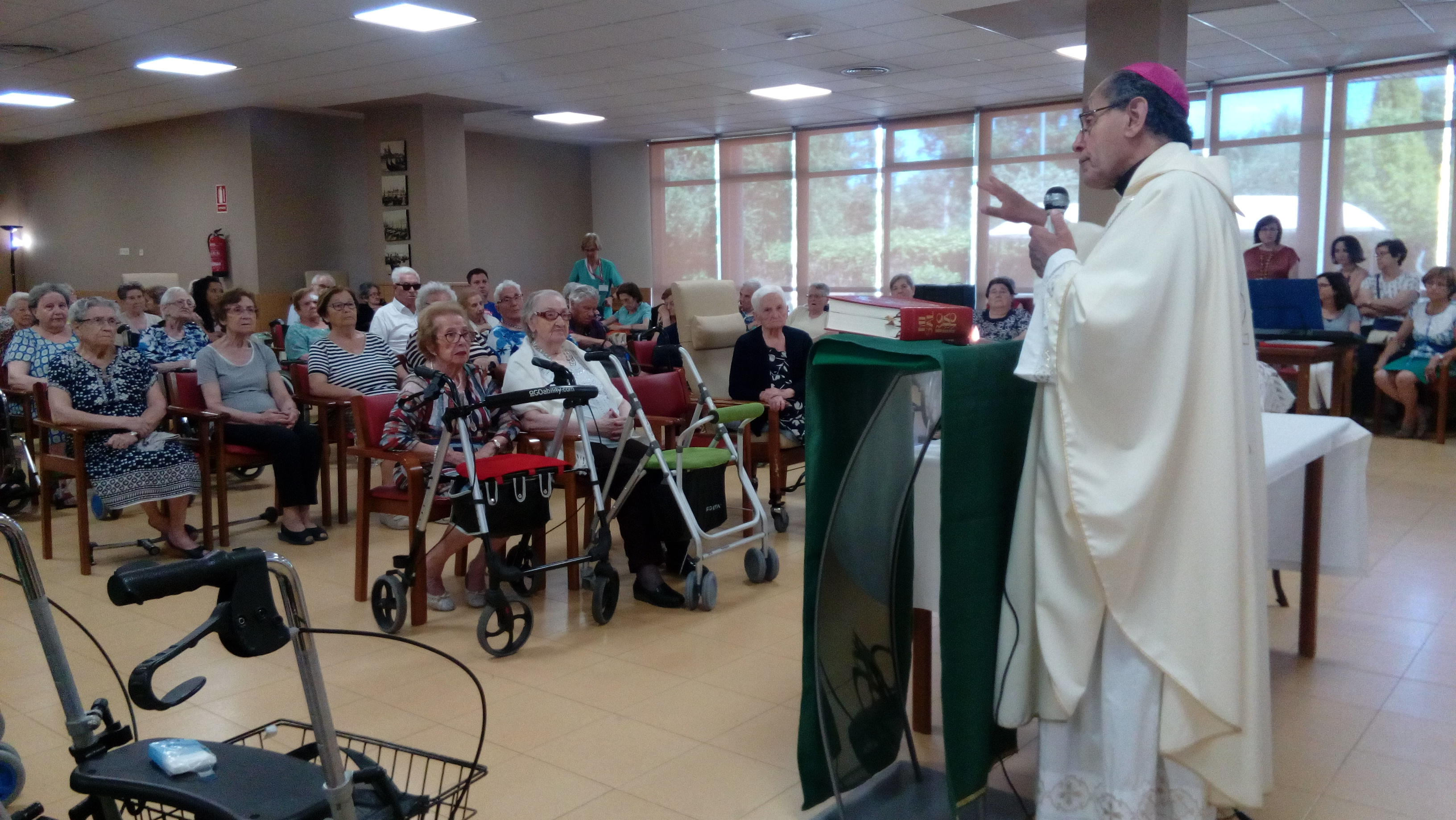 DomusVi Valdemoro misa aniversario (6)