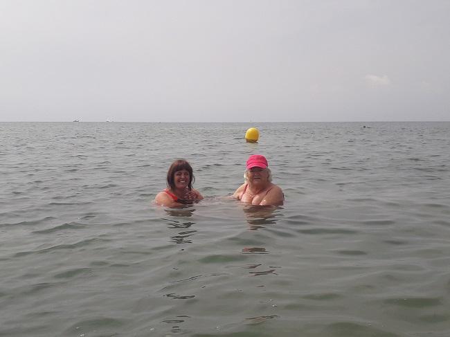 Salida a la playa de SP DomusVi Babel (3)