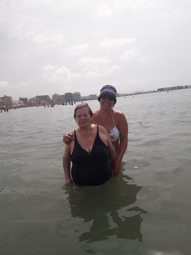Salida a la playa de SP DomusVi Babel (4)