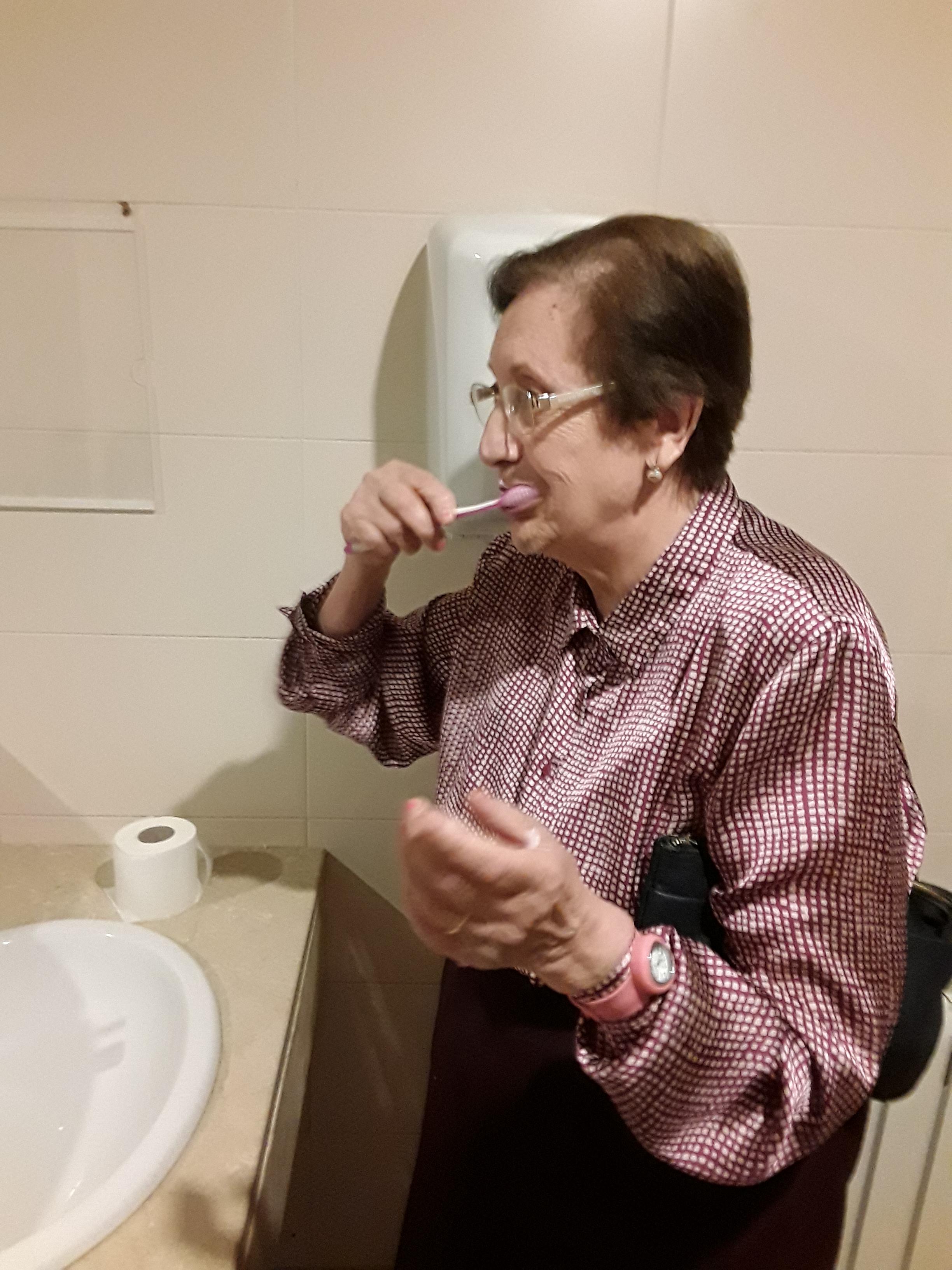 DomusVi Santa Justa taller de higiene bucal