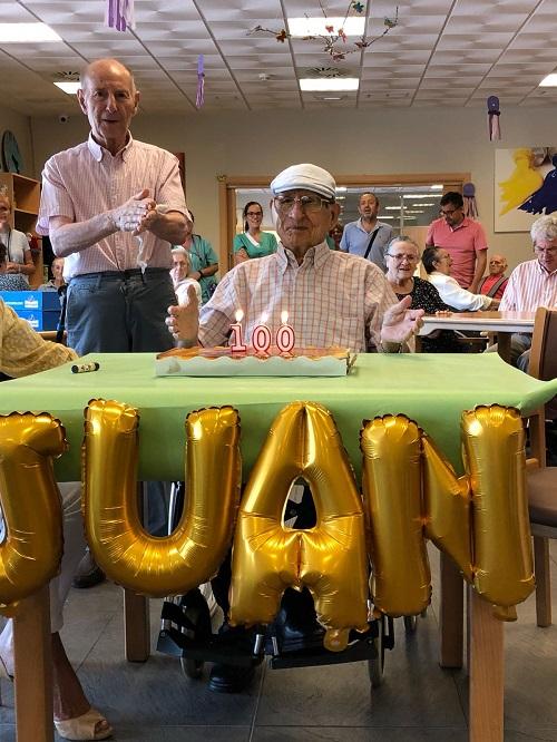 Felicidades a Juan desde DomusVi Alcalá de Guadaíra