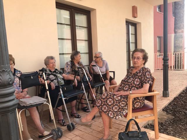 Terapia al aire libre en domusvi  Condes de Corbull 3