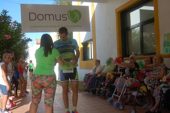 En DomusVi Alcalá de Guadaíra corremos por los mayores