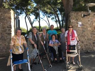 Salida al Parque del seminario en DomusVi Condes de Corbull 2
