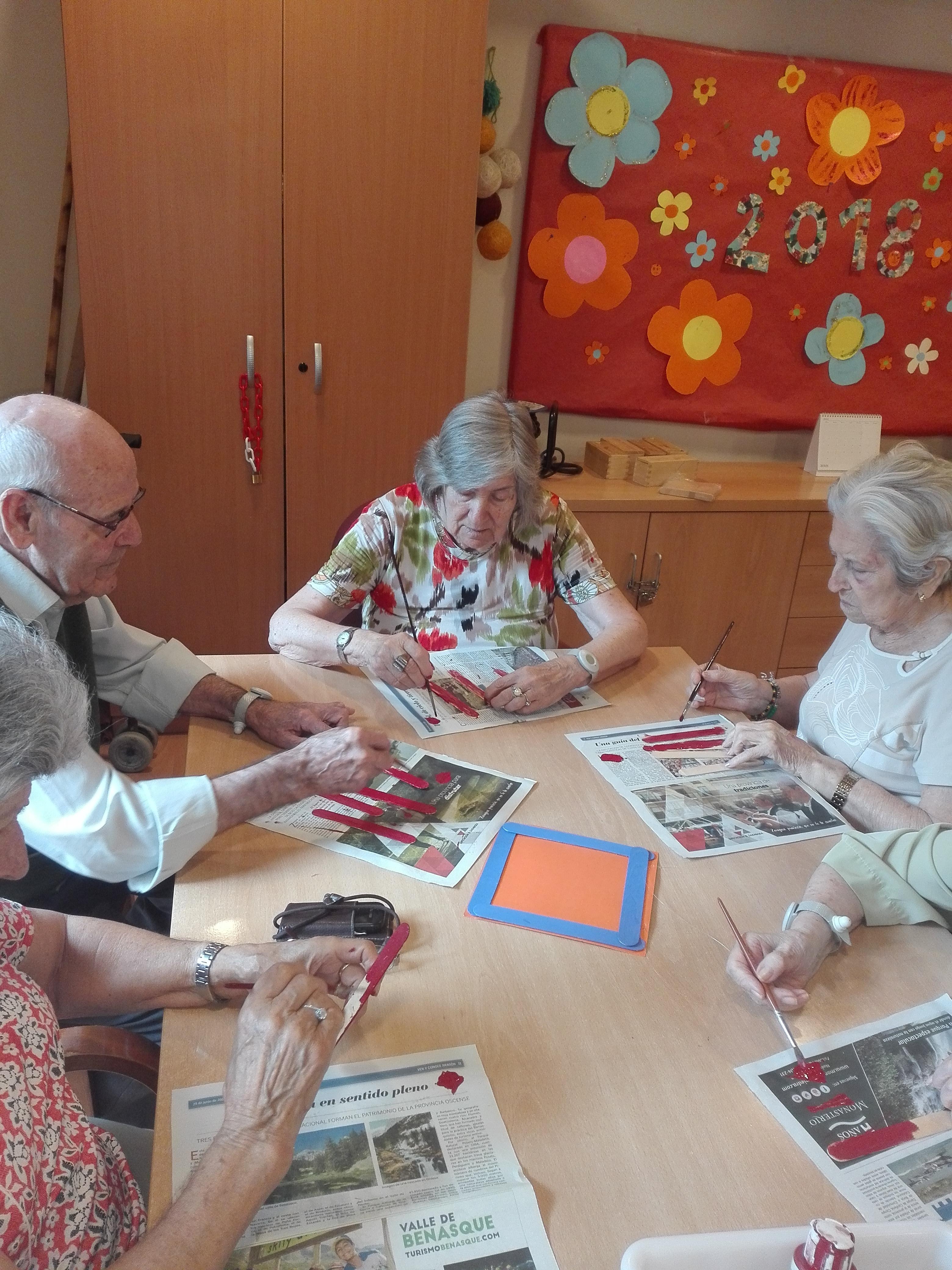 Residencia gente mayor hospitalet actividades marco