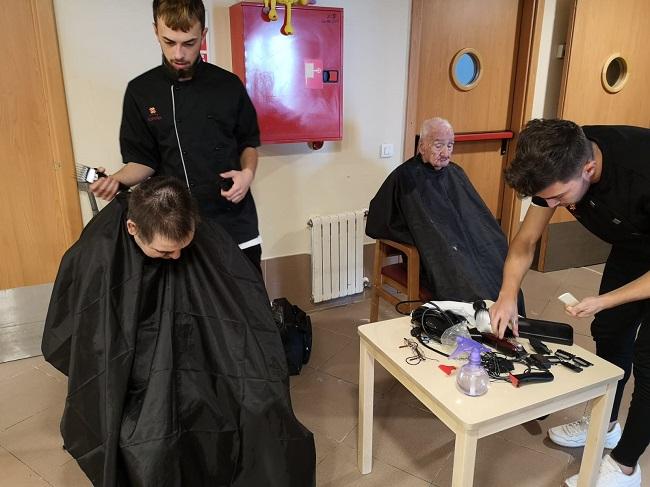 Prácticas voluntarias peluquería y estética 5