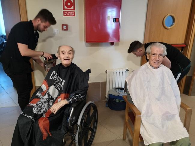 Prácticas voluntarias peluquería y estética 8