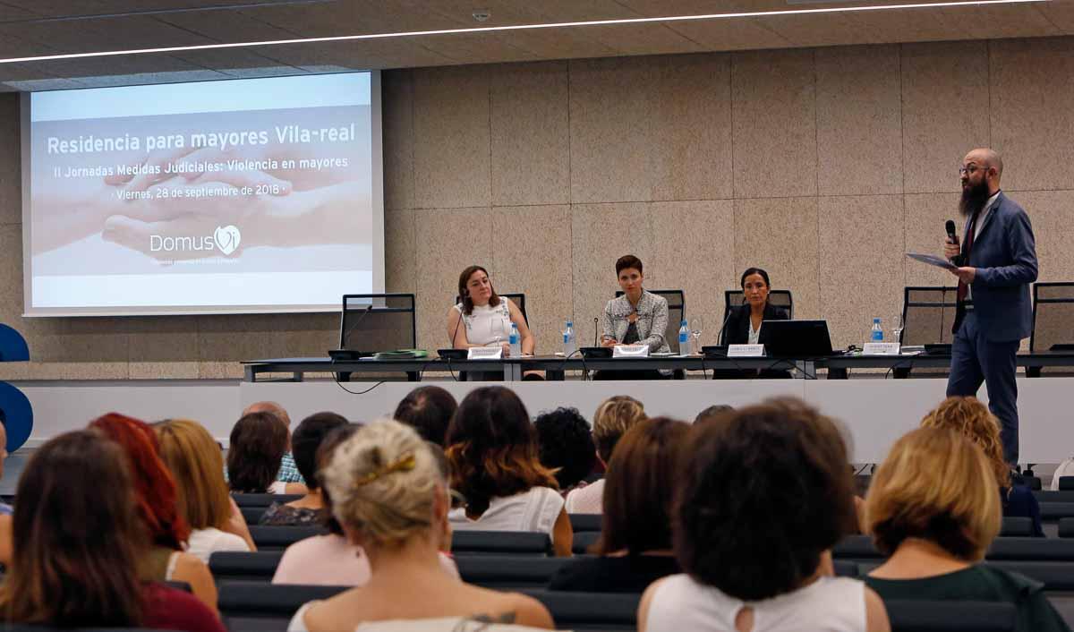 """II Jornada Medidas Judiciales: """"Violencia en Mayores"""" DomusVi Vila-real (Foto: AVAN // Alberto Sáiz)"""