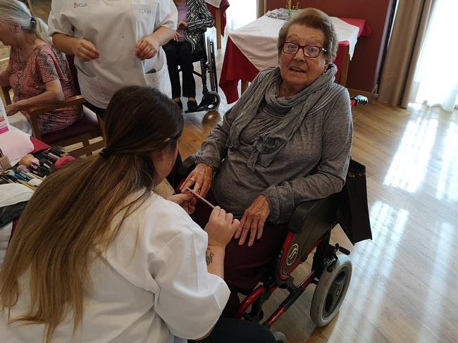 face badajoz taller rintergeneracional practicas peluqueria voluntariados (9)