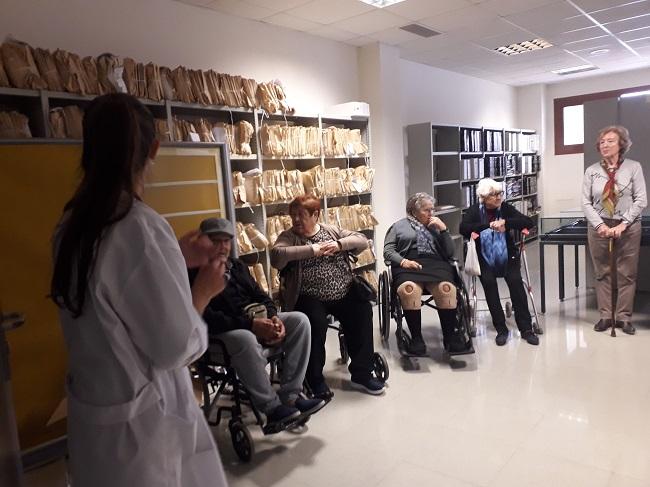 DomusVi visita el archivo de Alicante (3)
