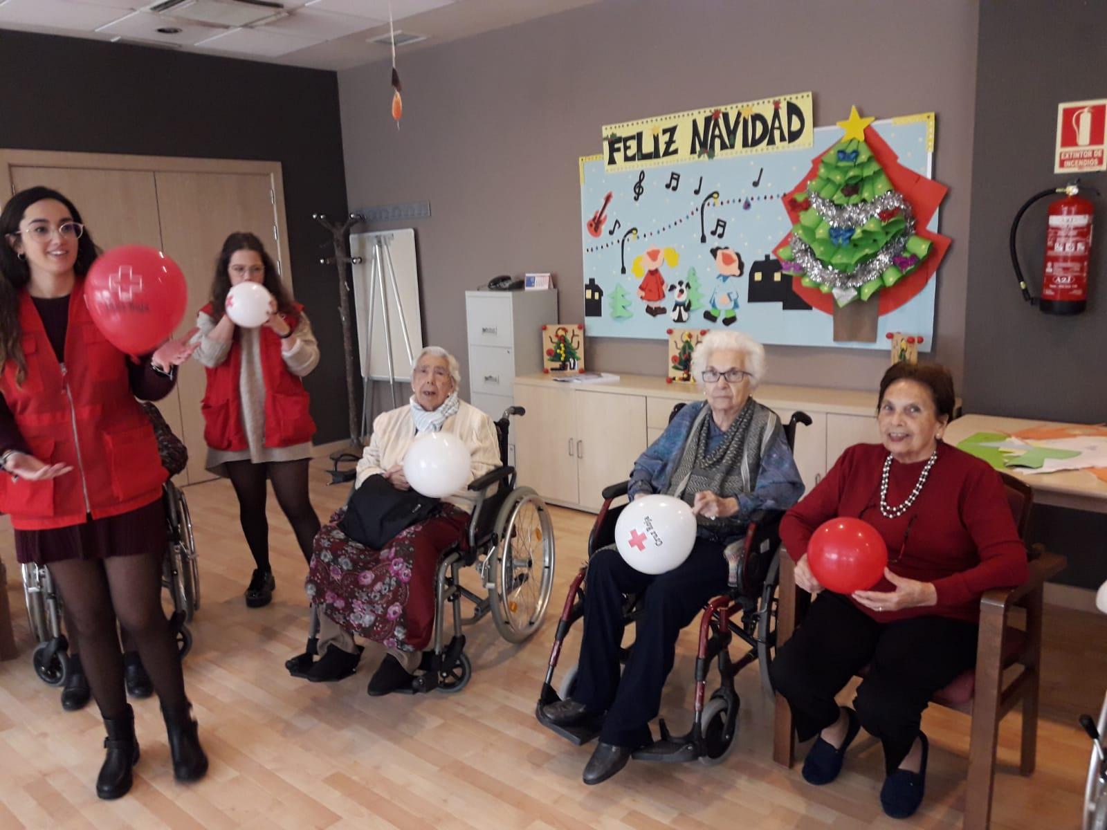Musicoterapia junto a voluntarios en DomusVi Santa Justa 3