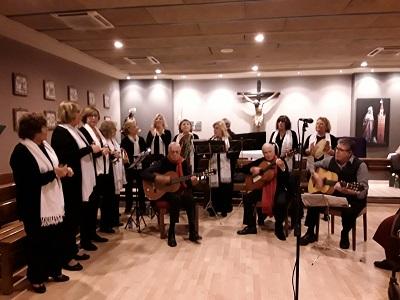 Actuacion coro gran plaza en DomusVi Santa Justa 3