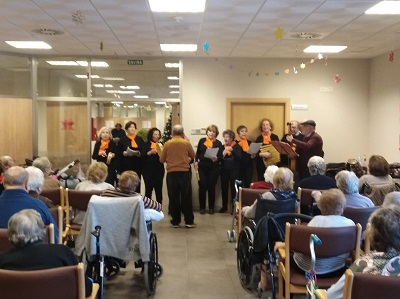 Cantamos con el coro Casa Extremadura en DomusVi Alcalá de Guadaíra