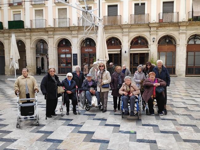 DomusVi Babel visita Alcoy (1)