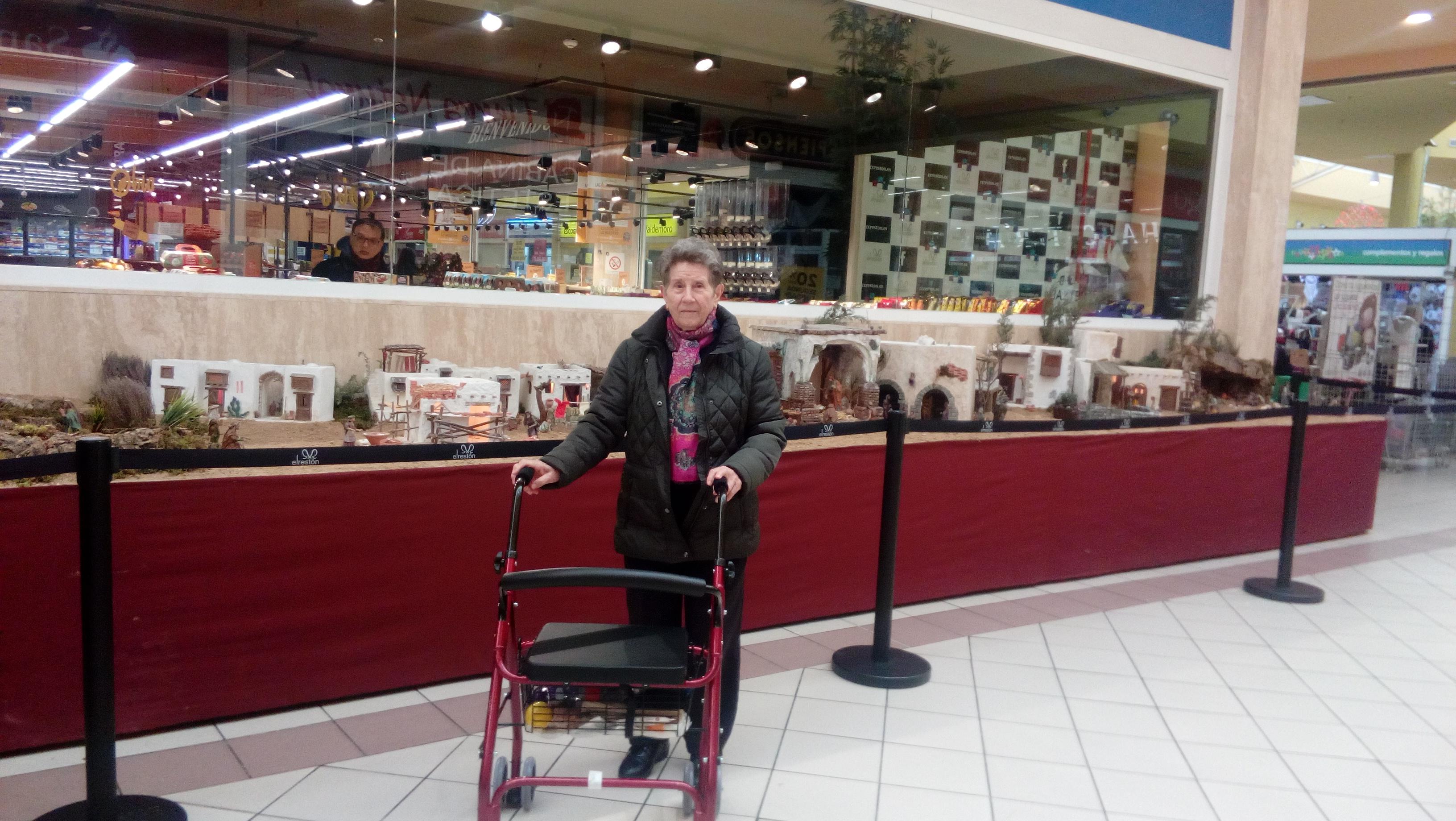 DomusVi Valdemoro visita al Belen del centro comercial El Restón(7)
