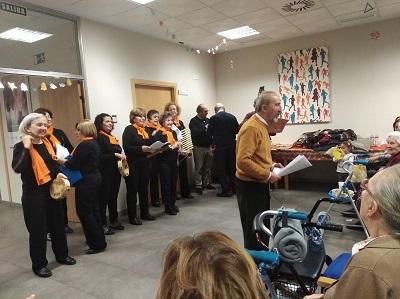 En DomusVi Alcalá de Guadaíra cantamos con el Coro Casa Extremadura
