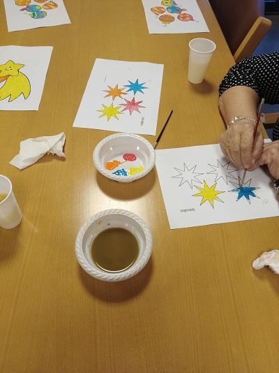 En DomusVi Alcalá de Guadaíra realizamos taller de arteterapia