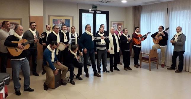 Actuación grupo Chiriveje de Badajoz en la residencia de mayores DomusVi Ciudad de Badajoz