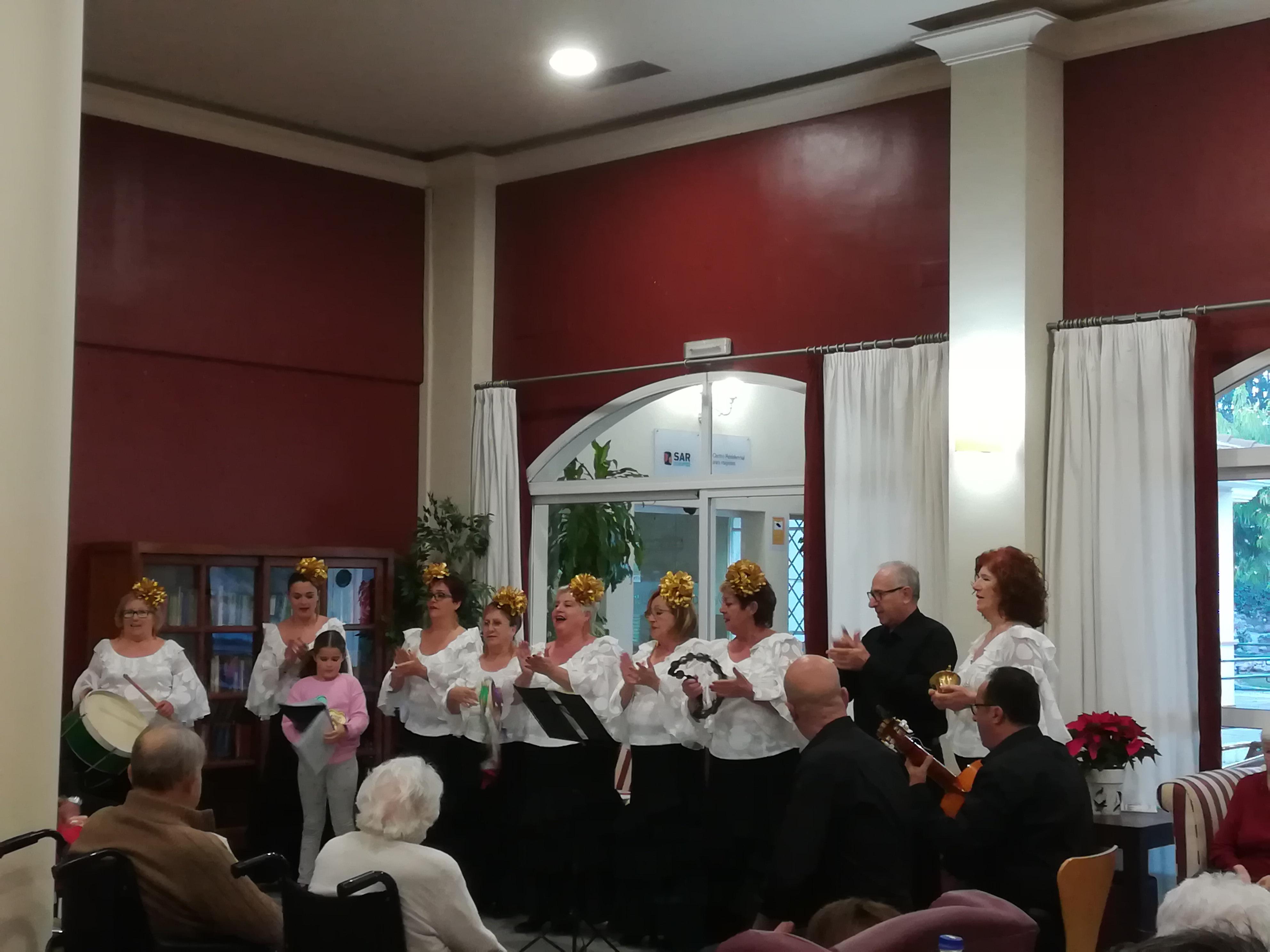 Coro Amanecer en la residencia de mayores DomusVi Fuentesol