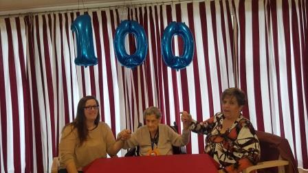 María cumple 100 años