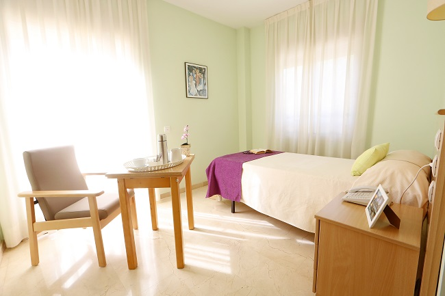 Residencia ancianos Valencia Jardines de Llíria