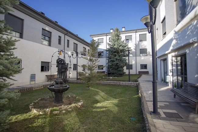 DomusVi Palencia jardín
