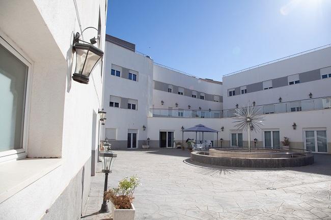 DomusVi Santa Gema terraza1