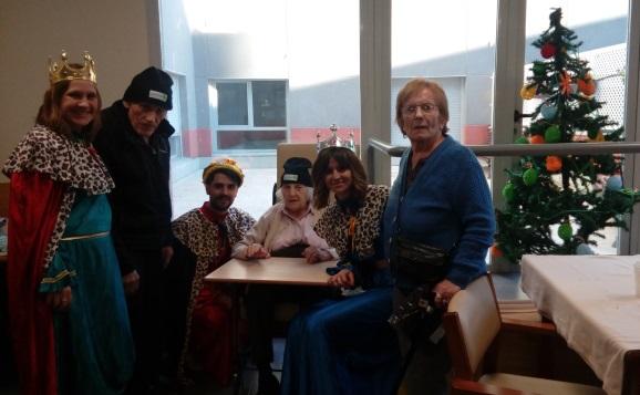 DomusVi Valdemoro, visita reyes magos (6)