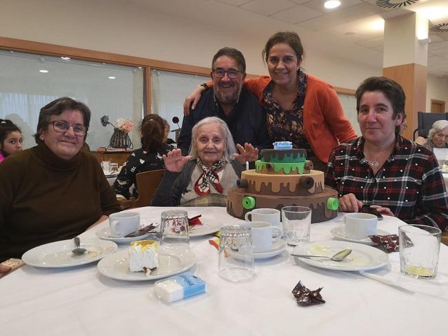 Cumpleaños Enero DomusVi Badajoz (3)