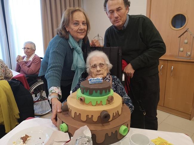 Cumpleaños Enero DomusVi Badajoz (4)