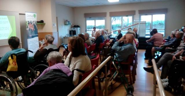 DomusVi Valdemoro 12 meses 12 charlas terapia ocupacional AVDS (12)