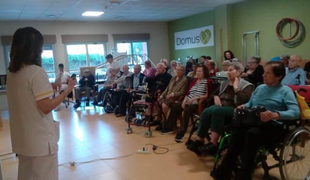 DomusVi Valdemoro 12 meses 12 charlas terapia ocupacional AVDS (7)