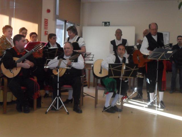 DomusVi Valdemoro coro Miel y Espiga casa regional de Extremadura de Getafe (13)