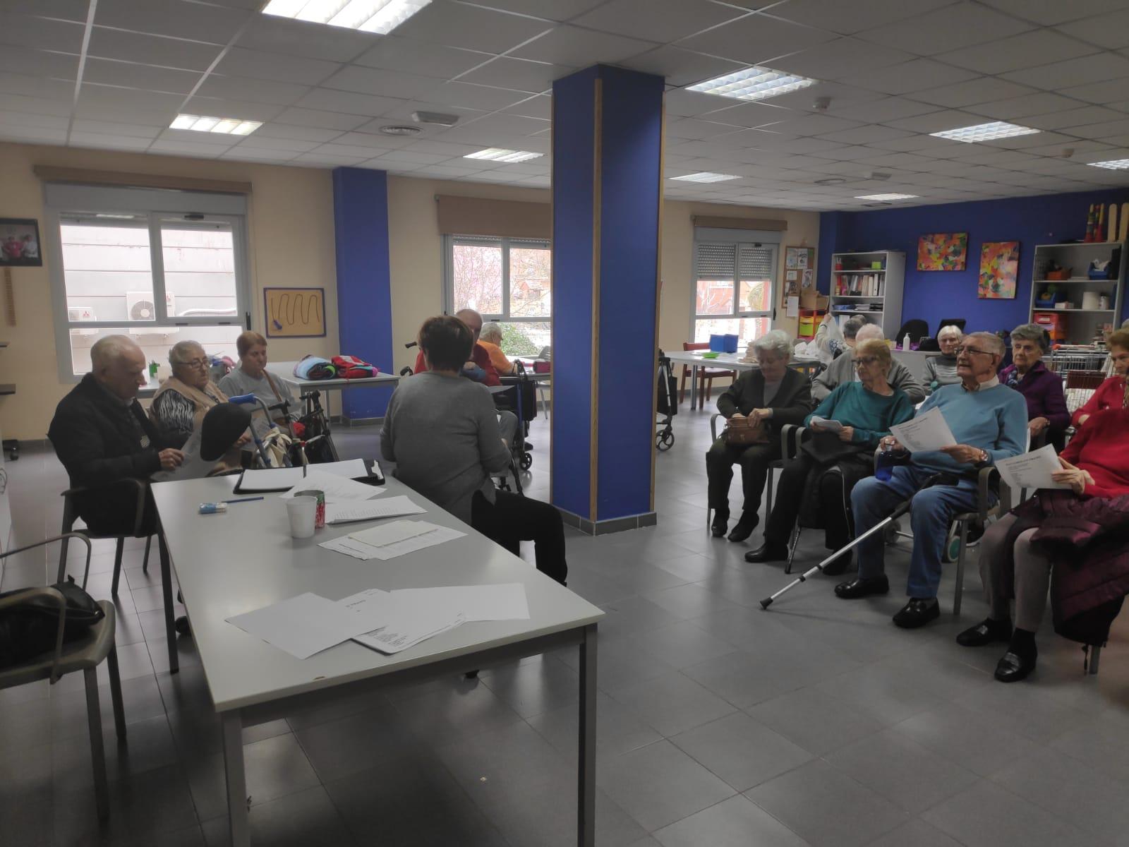 DomusVi Valdemoro taller y dinámica de poesía (1)