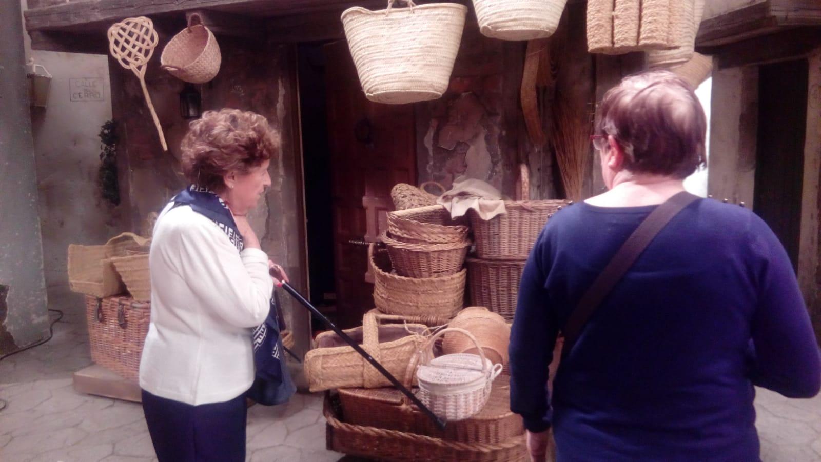 DomusVi Valdemoro visita plató de la serie el secreto de puente viejo (4)