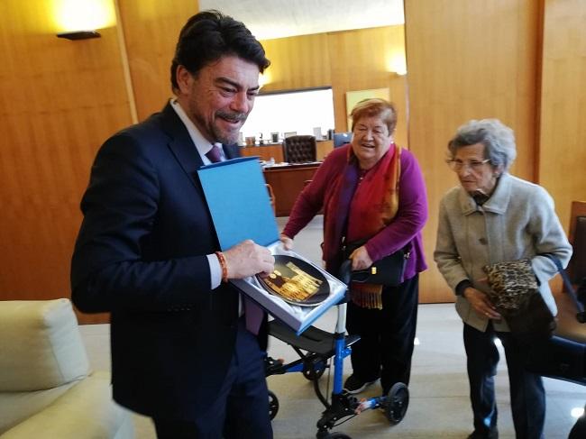 Visita Ayuntamiento Alicante - DomusVi Babel (6)