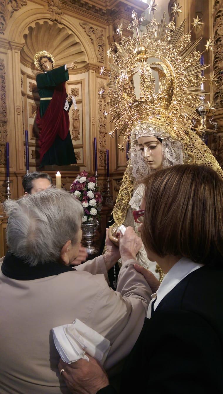 DomusVi Condes de Corbull - Besamanos Virgen