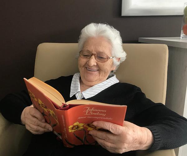 DomusVi RIBADUMIA - Día del Libro - lectura Pilar Rivas