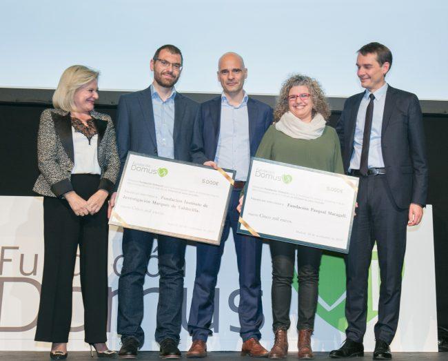 Cheque solidario Kilómetros para recordar IV Premios Fundación DomusVi