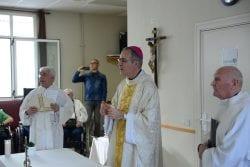 Visita Arzobisbo Pamplona a DomusVi San Adrián