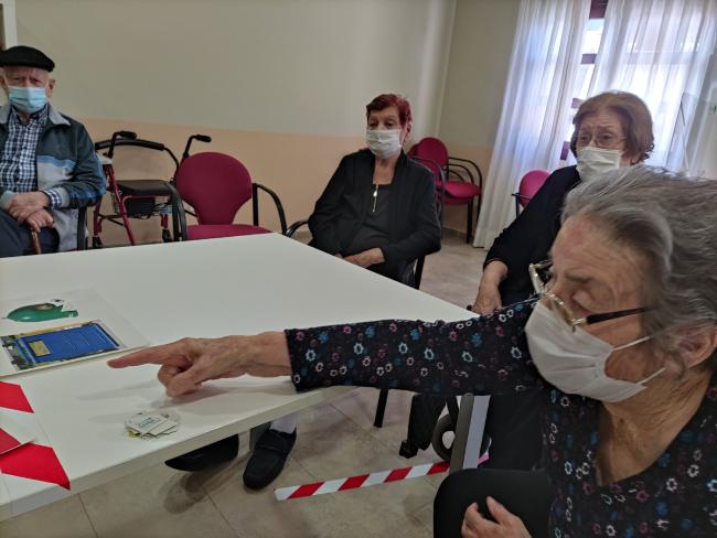 DomusVi-residencia-mayores-LosGavilanes-dia-del-reciclaje (4)