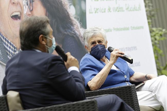 Jornada ADOREA Sevilla Buen Trato persona mayor
