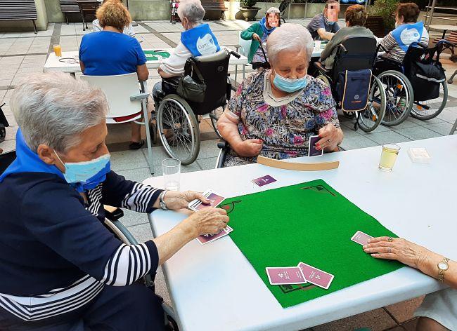 DomusVi-residencia-mayores-Ribera-campeonato-cartas (5)