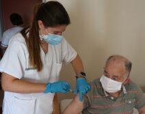 DomusVi-residencia-mayores-Santa-Pola-tercera-dosis-vacuna-covid (2)